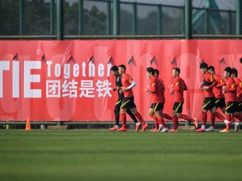 韩乔生再度嘲讽男足:中国足球就像癌症患者,想世界杯出线不现实