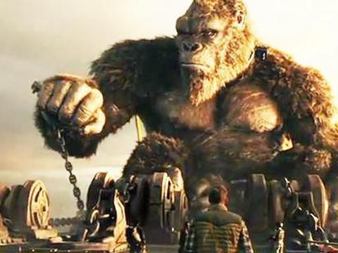 《哥斯拉大战金刚》猴哥霸气出山,哥胖玩烧烤,雷霆战斧好耀眼