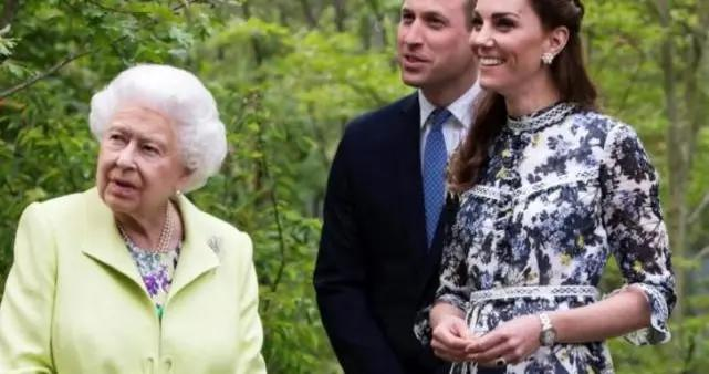 女王为大孙子一家腾房间,让威廉凯特居家办公,凯特慰问医护人员