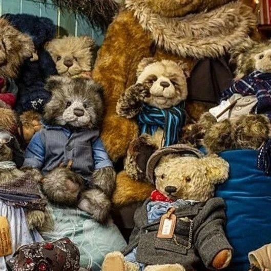 """她""""治好""""12500只泰迪熊,用毛绒绒治愈自己和无数人…"""