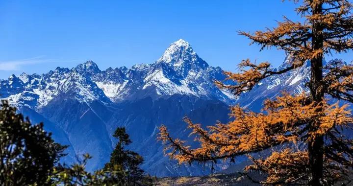 藏东绝色——达美拥雪山