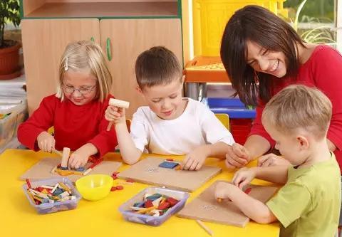 孩子因甲醛中毒入院,罪魁祸首竟是早教班,家长们要引以为戒