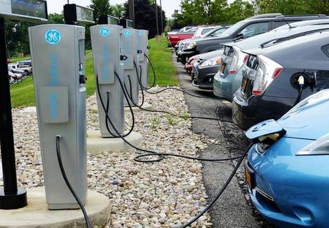 新建充电桩7万个 上海市将出台新一轮新能源汽车推广办法