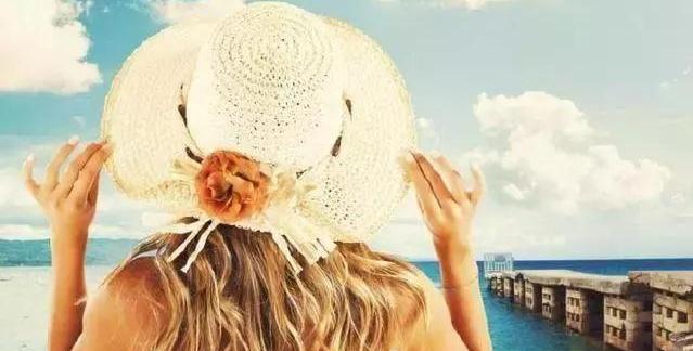 心理测试:选一个最具个性的帽子,测你爱的他会陪你多久