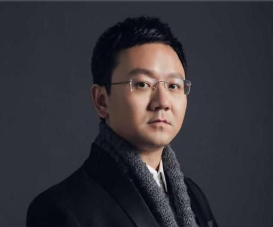 广东电视台节目主持人薛乐,大家喜欢他的主持风格吗?