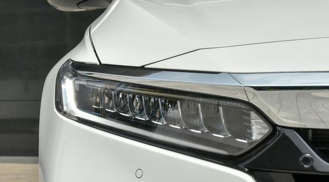 全新的本田雅阁,如今力压帕萨特,获得中级车销售王的称号