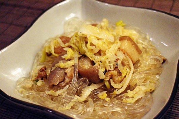美食精选:凉拌鸡丝、猪肉炖粉条、番茄滑牛肉汤、韭菜鸡蛋炒豆芽