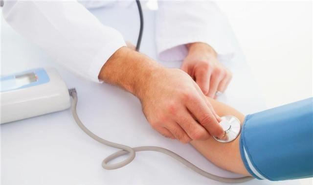 中老年人降血压,是用硝苯地平好还是用氨氯地平好?各位怎么看?