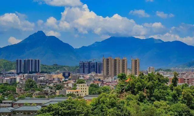 汕尾这个小县,曾归属于汕头、惠阳,如今经济发展却很普通