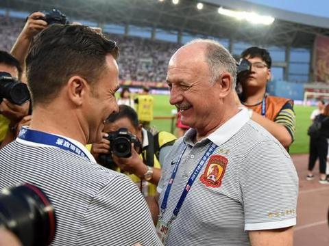 73岁前恒大主帅再下课,球迷:请他回来留住保利尼奥
