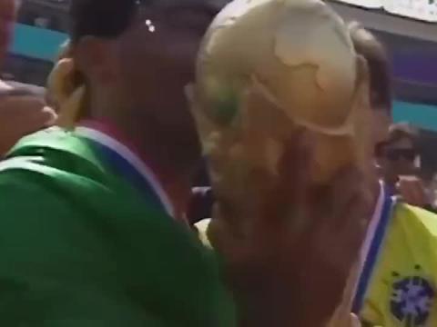 1994年巴西队,超级罗马里奥+罗纳尔多,助桑巴军团登顶世界之巅