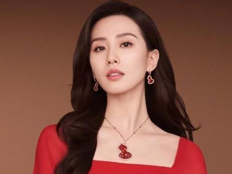 """刘诗诗是什么""""在逃豪门公主"""",感觉整个人都在发光,又被美到了"""