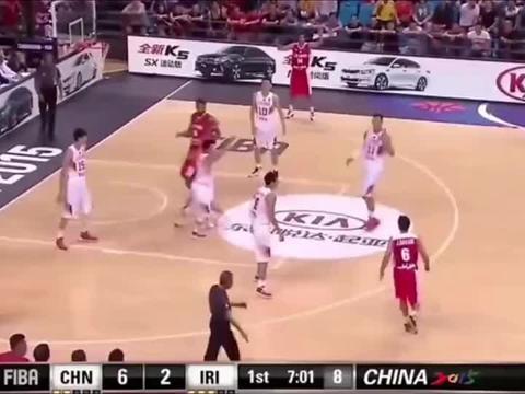 篮球世界:易建联发火合集,不要以为他脾气好,就好欺负!
