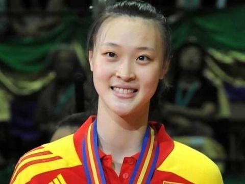 排球女神惠若琪,退役后气质颜值更胜从前,今嫁给学霸老公
