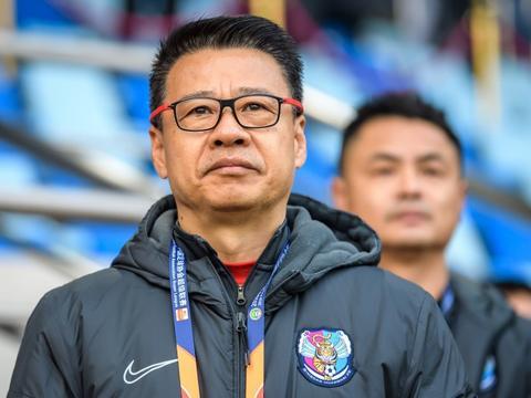 吴金贵:有球员说只能拿到二三十万合同,我说知足吧