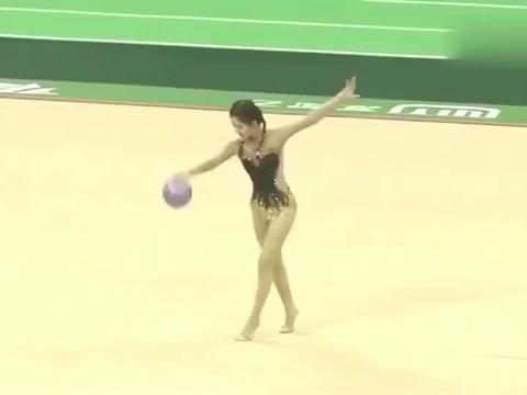 体育:赵露思拿下射箭冠军,没想到艺术体操表现也好