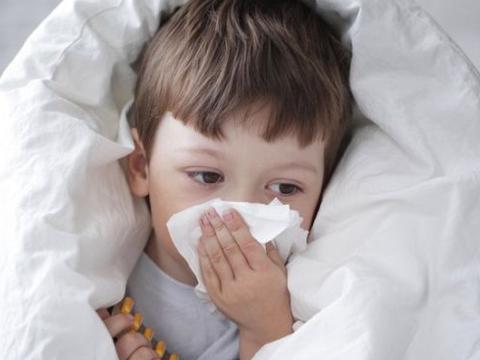 5岁男孩经常咳嗽,经查后是甲醛中毒,母亲流下了悔恨的眼泪