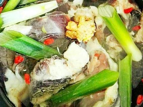 隆冬日,来个清烩羊肉汤锅,暖暖的,美美的
