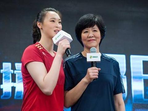 曾经的排球女神惠若琪,丈夫比自己矮半个头,婚姻生活幸福吗?
