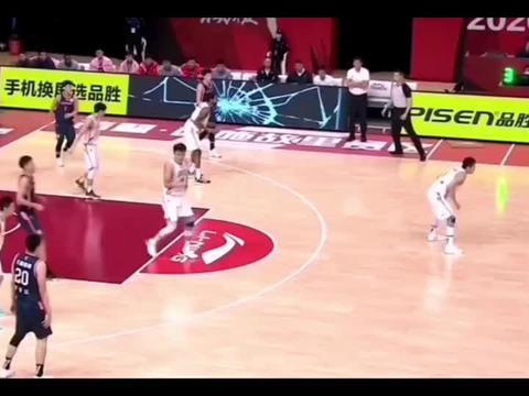篮球世界:马尚布鲁克斯突破禁区,轻松暴扣,天赋太强!