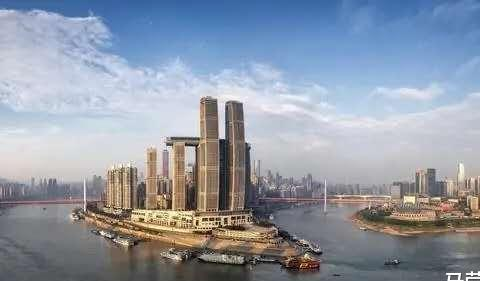"""""""超反人类""""的建筑设计,遭重庆人疯狂吐槽,荣获中国最丑建筑"""