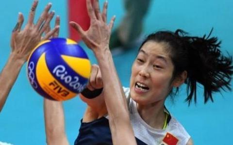 世界第一女排球员朱婷,成功后为父母改善生活,拒绝无数代言商