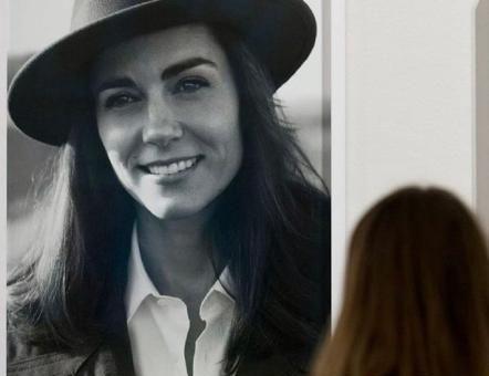 凯特王妃罕见黑白照,简直太美了,与生俱来的气质令人羡慕!