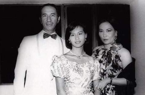 何猷光去世一年后,蓝琼缨带着子女移民,38年的宫斗她赢了!