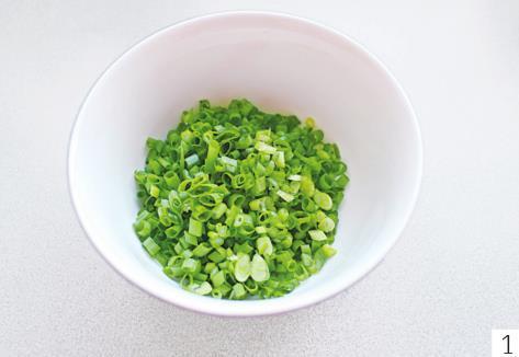 一把小葱,一盒酸奶,快速做道小零食,细腻咸香,入口即化