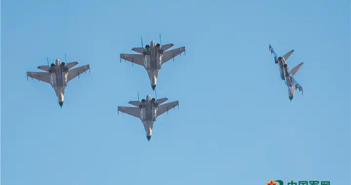 海军航空兵部队新年度实战化训练一组速写