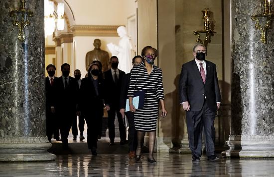共和党大部分参议员反对弹劾 特朗普难被定罪