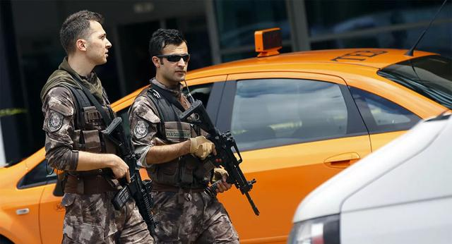 伊斯坦布尔爆发激烈斗殴,三名俄旅客被追杀,土耳其警方如临大敌