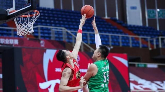 年少有为郭艾伦:总得分超越马布里,主教练杨鸣盛赞