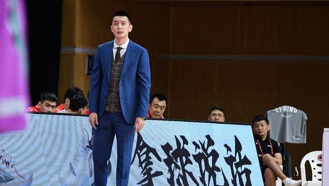 杨鸣正式表态,四川主帅沉默质疑裁判,浙江遭到重罚