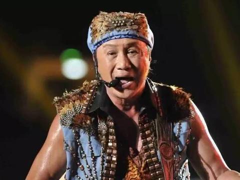他是香港乐坛开山鼻祖,70岁高龄依然神采奕奕,大寿却无人祝福