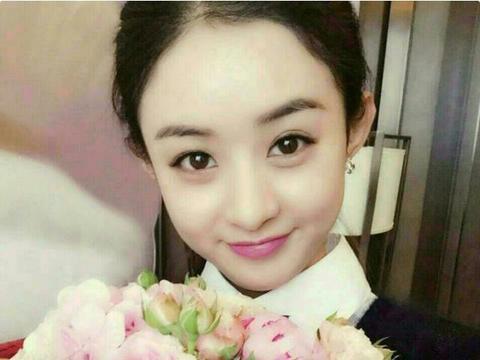 带你走进赵丽颖的豪宅,天花板上挂满了气球,冯绍峰把她当公主宠