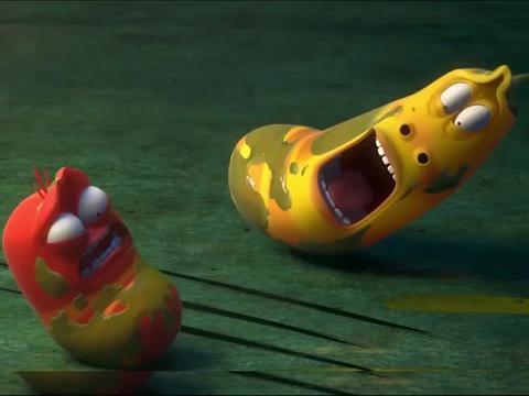 爆笑虫子:小黄大战老鼠,胆子真大啊