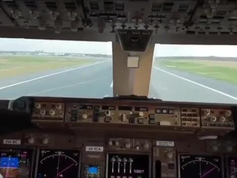 飞行员第一视角,看这满满的按钮,密集恐惧症还做不了飞行员!