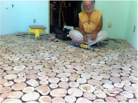 小伙装修房子,村里老木匠帮他铺设木地板,看到成品大家吓一跳!