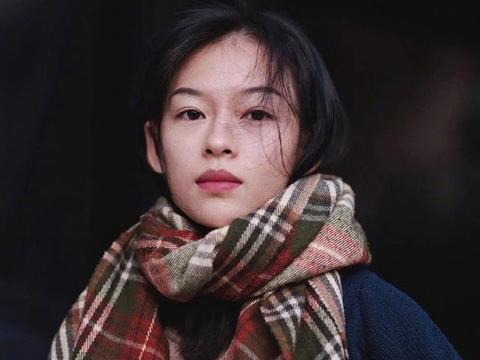 有网友曝出越南一因撞脸章子怡而走红的嫩模Minh Ha照片