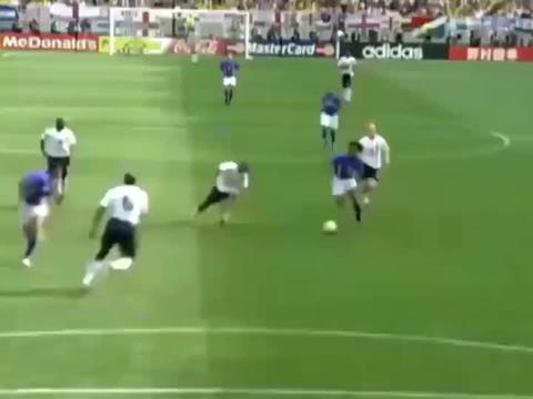 小罗遇上里瓦尔多,罗纳尔多,足球这就变得很容易了