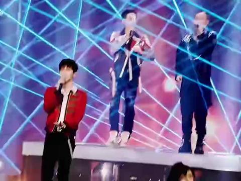 符龙飞   2021东方卫视跨年演唱会开场串烧直拍