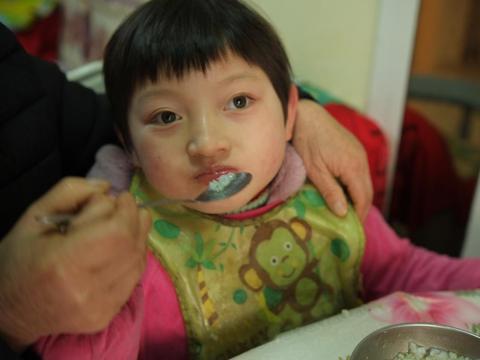 """浙江8岁""""快乐木偶"""",天天笑容灿烂,父母却整日以泪洗面"""