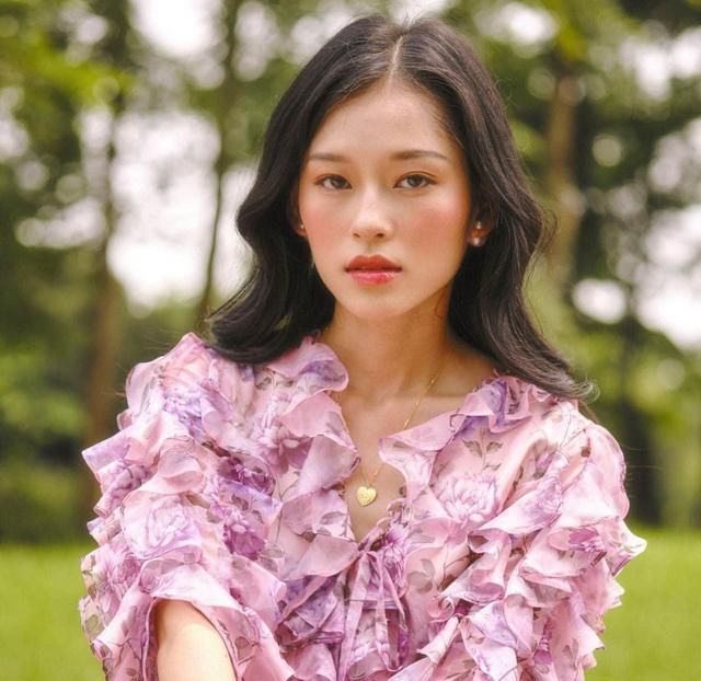 突然爆红的越南模特,只因长得像年轻时的章子怡