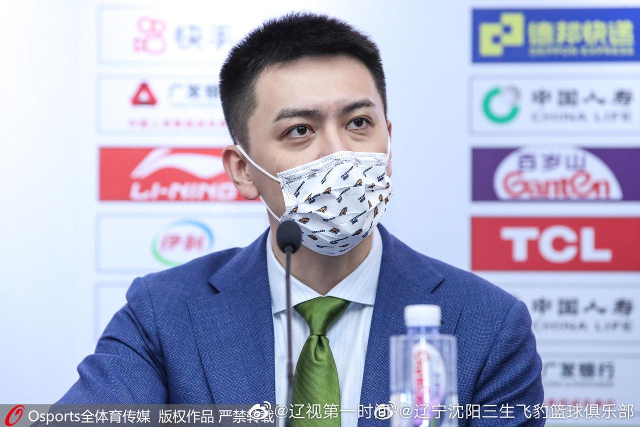 杨鸣赛后盛赞郭艾伦超越7000分大关:他的纪录会一个接一个的破