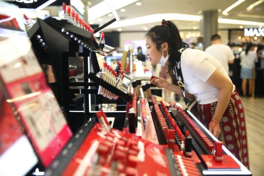 年轻人成为中国消费升级主力军