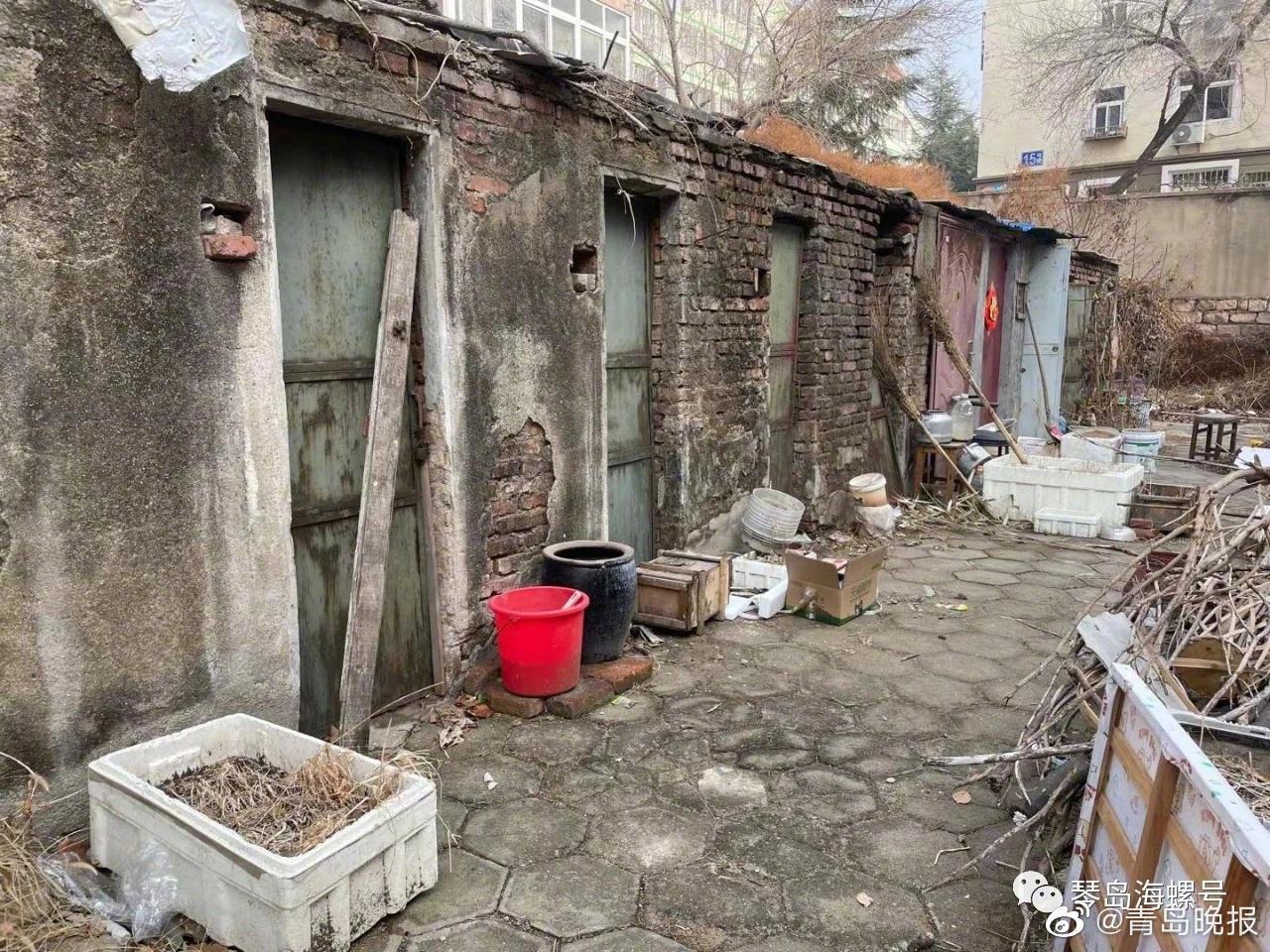 渗水、裂缝、歪斜……李沧这处5年前就列入改造计划的危房 一次次拆迁诉求为啥总是落了空