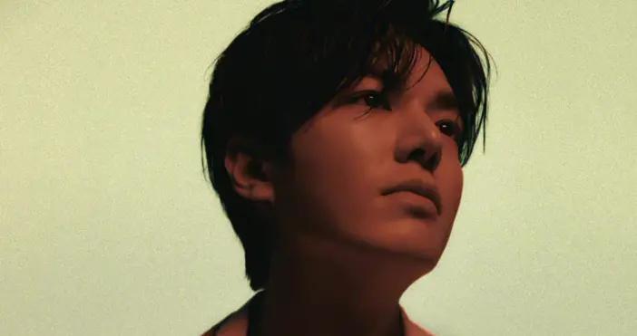 李敏镐帅呆,全新风格彰显高级氛围感,迸发狂野随性的青春少年力