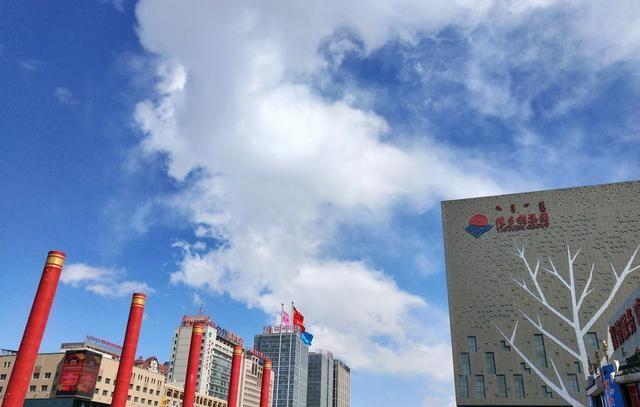 内蒙古一城市区内竟然有三座维多利广场
