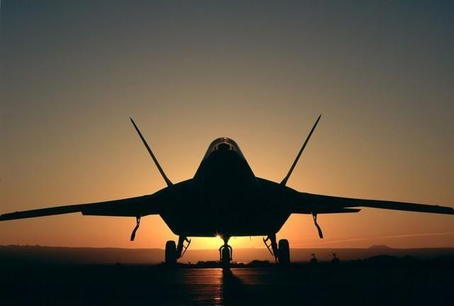 超过F22A的187架,装备更多重型隐身战斗机!